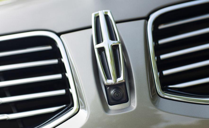 2016 Lincoln MKX Reserve AWD - Slide 22