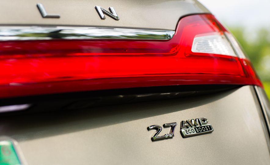 2016 Lincoln MKX Reserve AWD - Slide 24