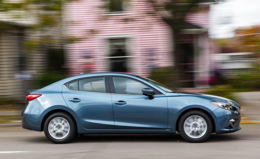 2016 Mazda 3 2.0L sedan - Slide 4
