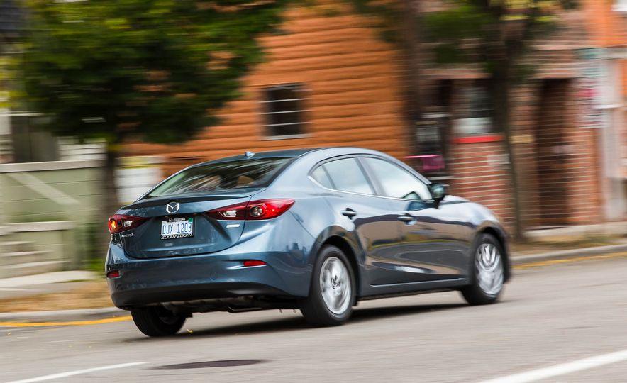 2016 Mazda 3 2.0L sedan - Slide 5