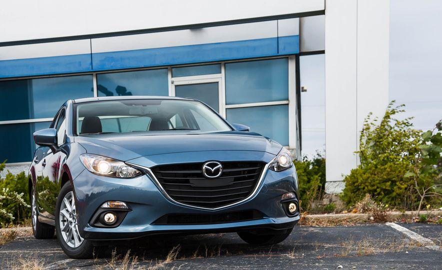 2016 Mazda 3 2.0L sedan - Slide 8