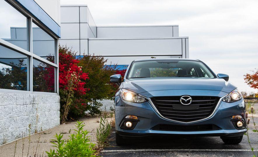 2016 Mazda 3 2.0L sedan - Slide 9