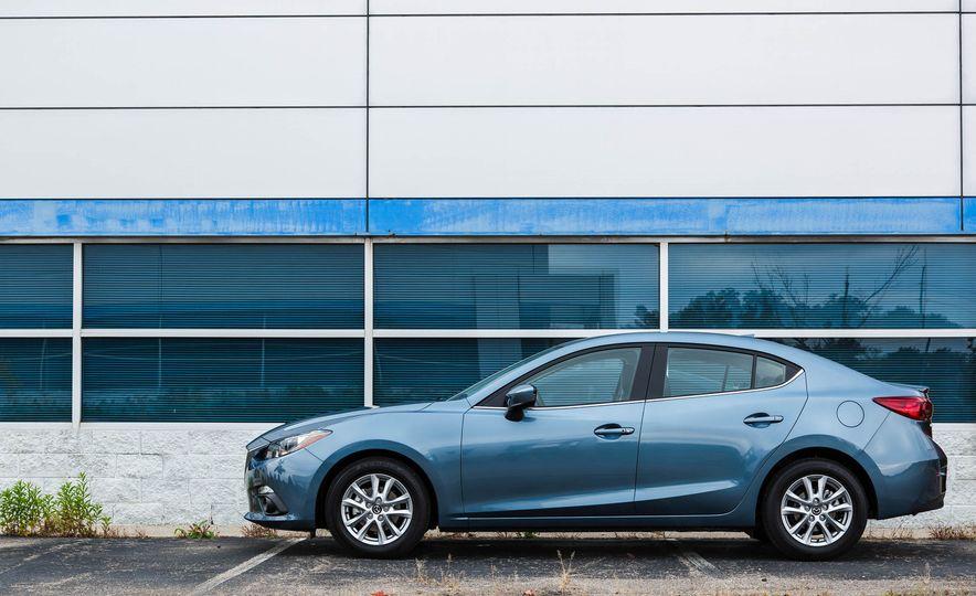 2016 Mazda 3 2.0L sedan - Slide 10