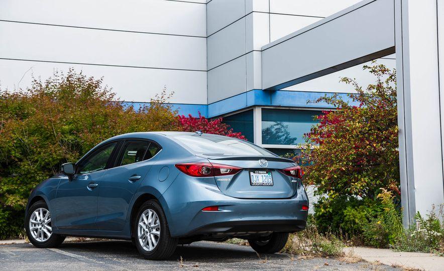2016 Mazda 3 2.0L sedan - Slide 12
