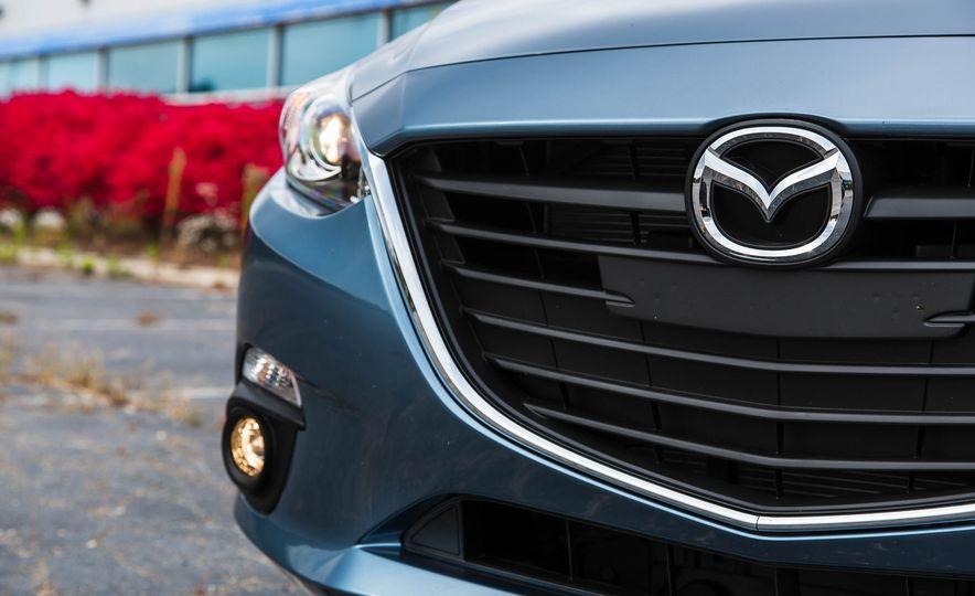 2016 Mazda 3 2.0L sedan - Slide 15