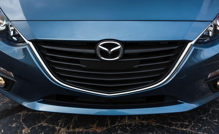 2016 Mazda 3 2.0L sedan - Slide 16