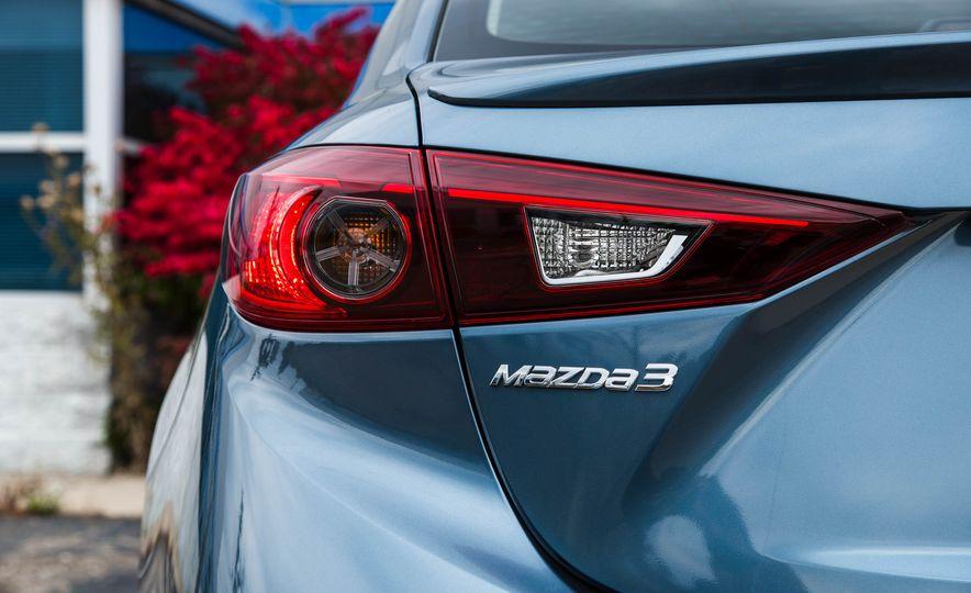 2016 Mazda 3 2.0L sedan - Slide 21