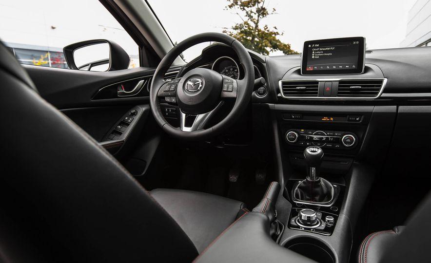 2016 Mazda 3 2.0L sedan - Slide 32