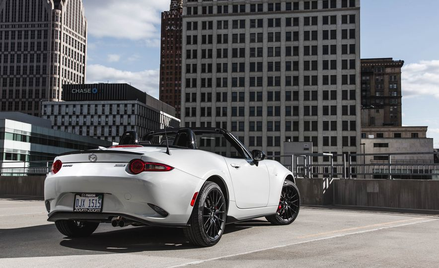 2018 Mazda MX-5 Miata with Dark Cherry softtop - Slide 10