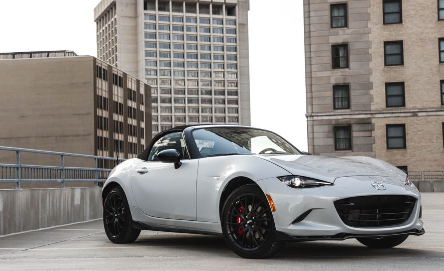 2018 Mazda MX-5 Miata with Dark Cherry softtop - Slide 11