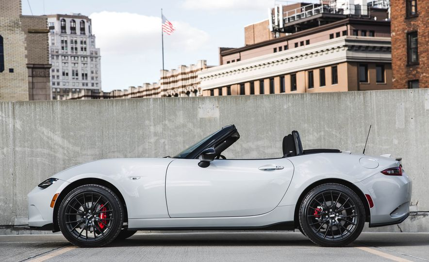 2018 Mazda MX-5 Miata with Dark Cherry softtop - Slide 7