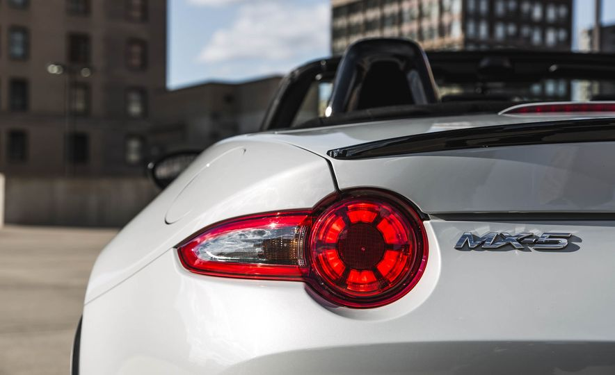 2018 Mazda MX-5 Miata with Dark Cherry softtop - Slide 20