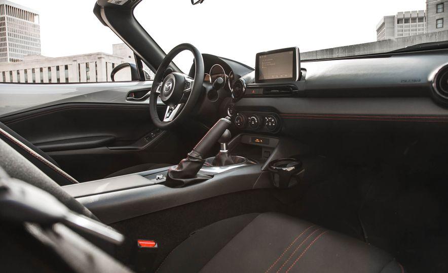 2016 Mazda MX-5 Miata - Slide 130