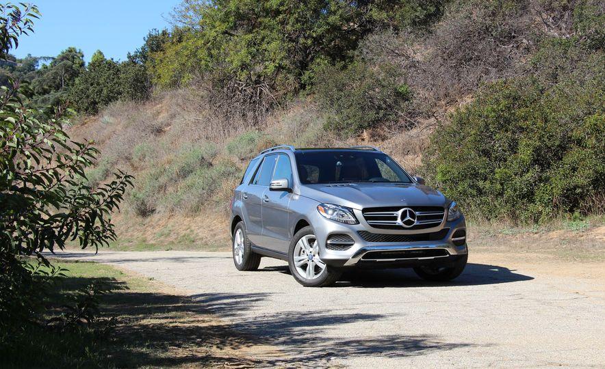 2016 Mercedes-Benz GLE400 4MATIC - Slide 1