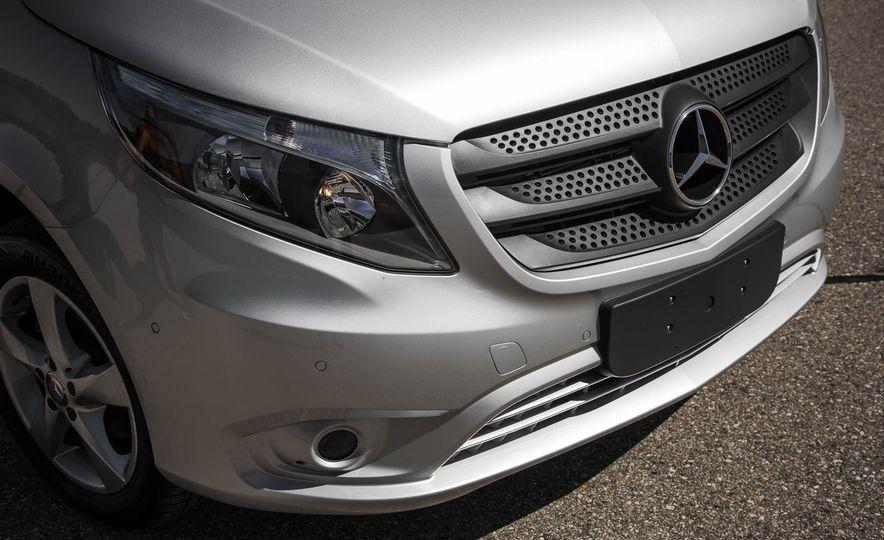 2016 Mercedes-Benz Metris - Slide 16