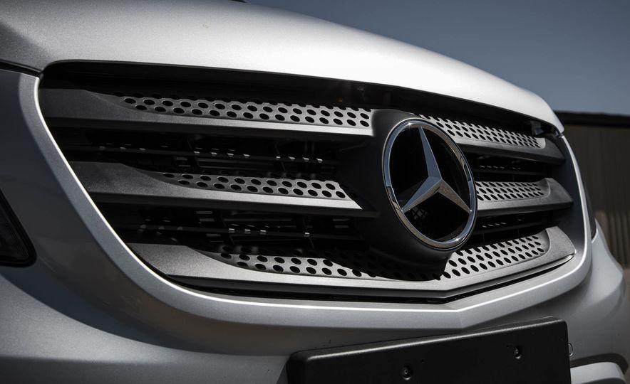2016 Mercedes-Benz Metris - Slide 18
