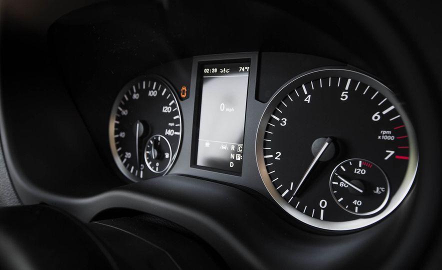 2016 Mercedes-Benz Metris - Slide 35