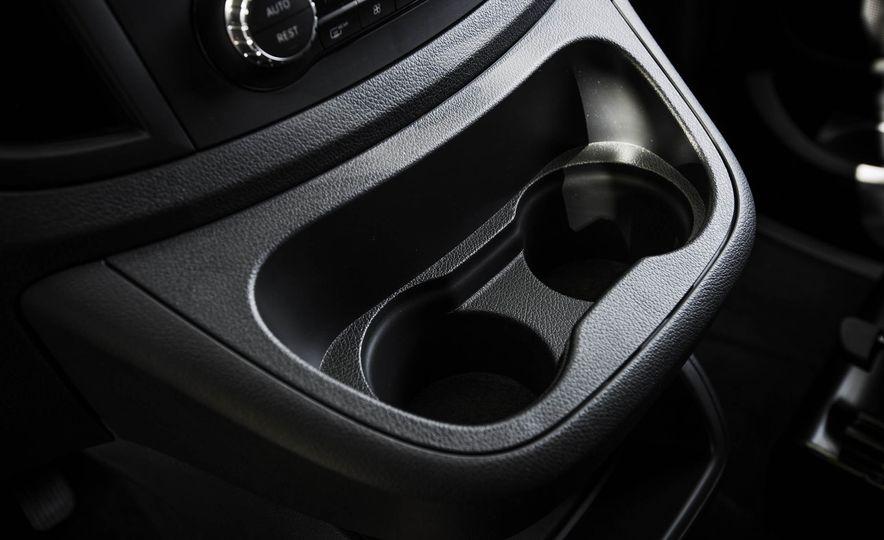2016 Mercedes-Benz Metris - Slide 39