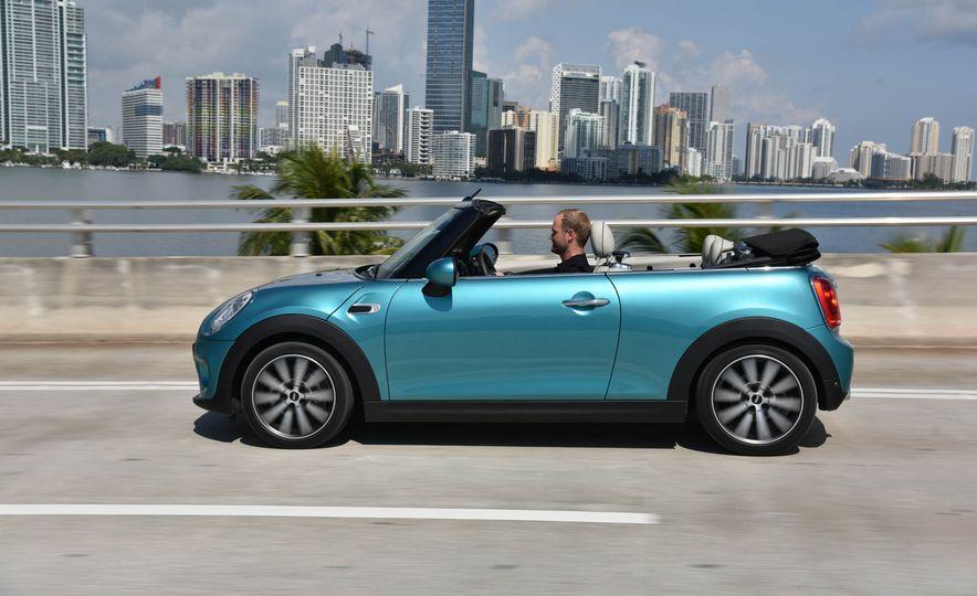 2016 Mini Cooper convertible - Slide 4