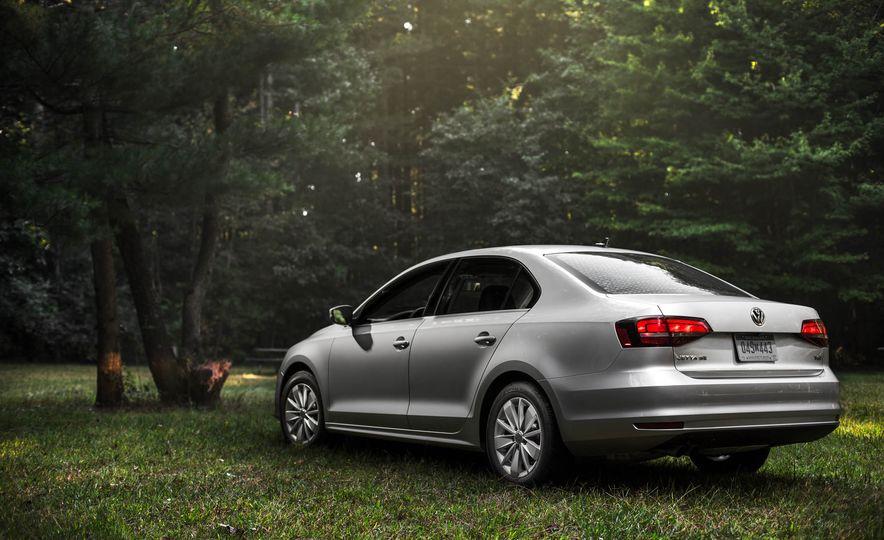2016 Volkswagen Jetta 1.4T - Slide 2