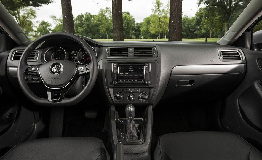 2016 Volkswagen Jetta 1.4T - Slide 11