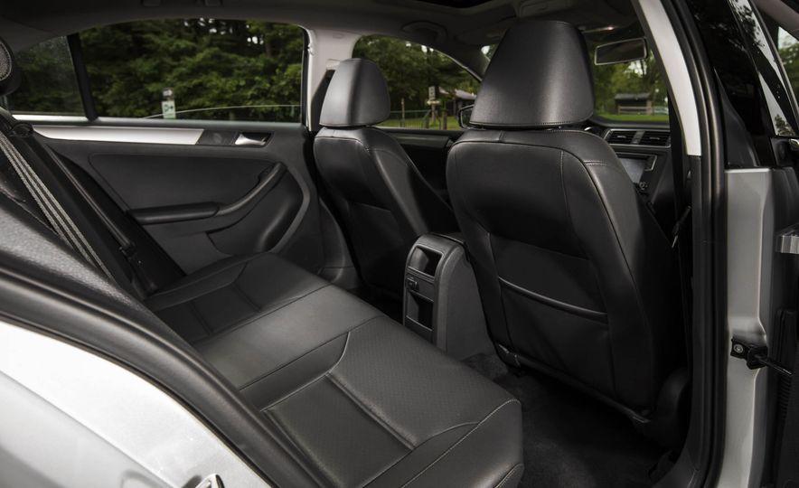 2016 Volkswagen Jetta 1.4T - Slide 16