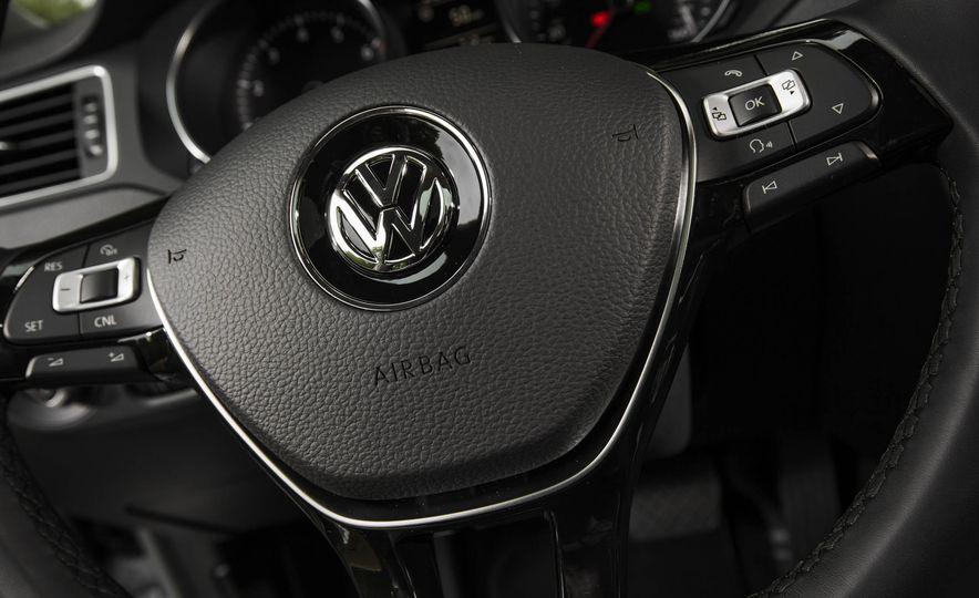 2016 Volkswagen Jetta 1.4T - Slide 17