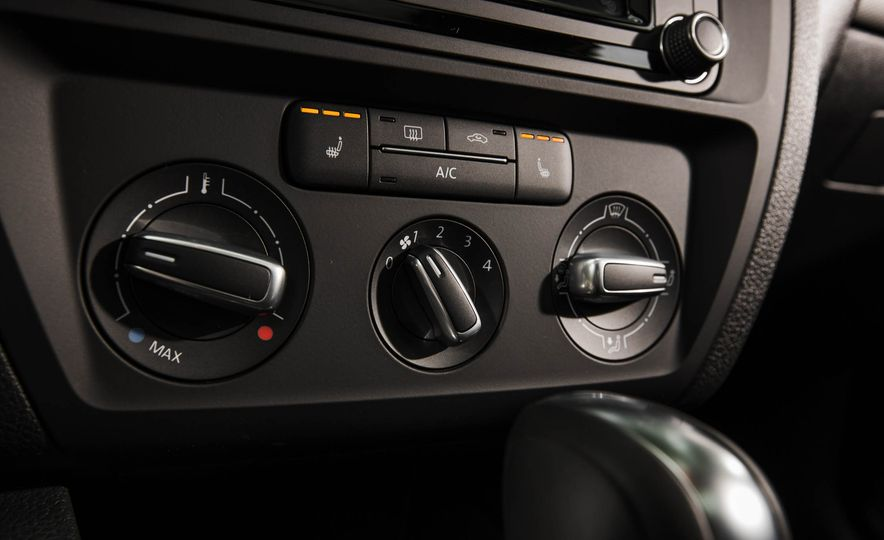 2016 Volkswagen Jetta 1.4T - Slide 20