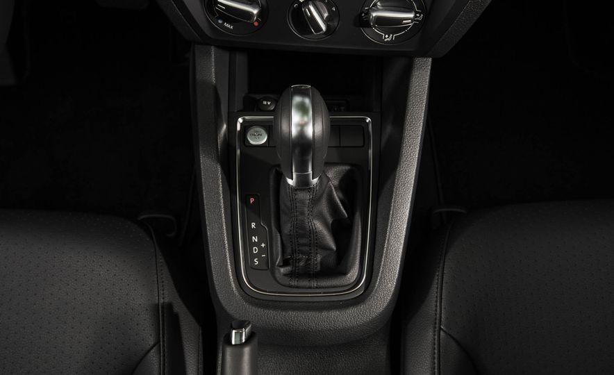 2016 Volkswagen Jetta 1.4T - Slide 22