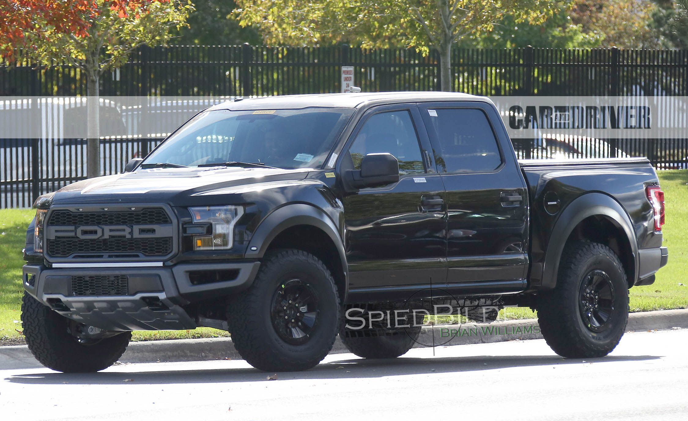 when fords all new 2017 f 150 raptor made its debut at last years detroit auto show it was in stubbier extended cab supercab form