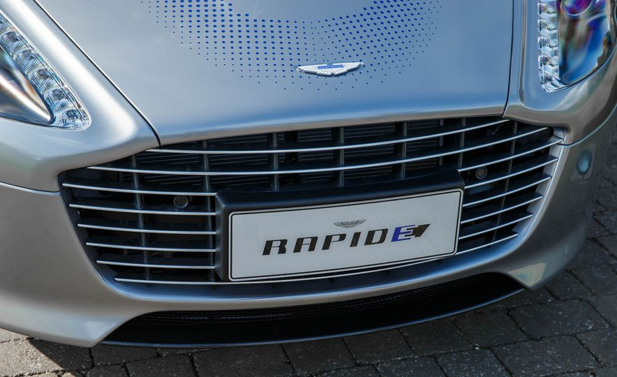 Aston Martin RapidE concept - Slide 8