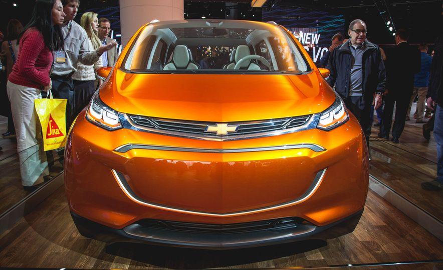 Chevrolet Bolt concept - Slide 2