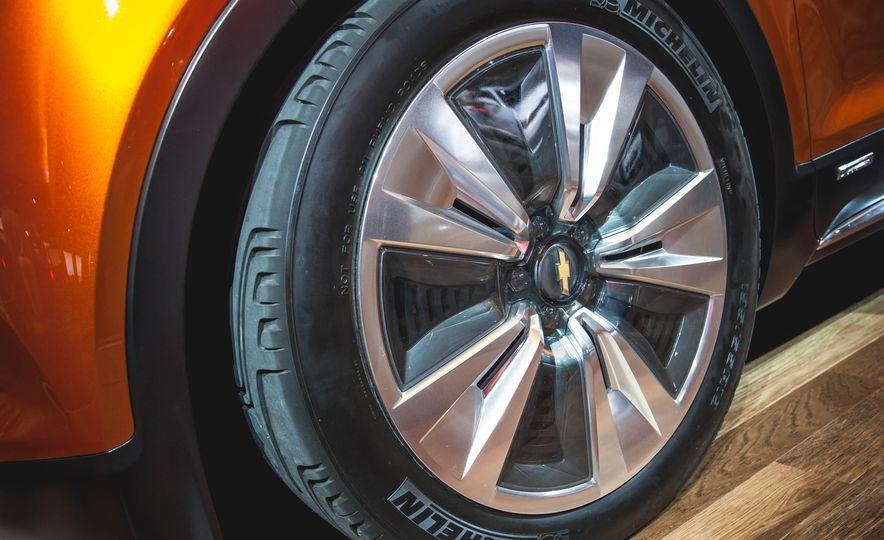 Chevrolet Bolt concept - Slide 8