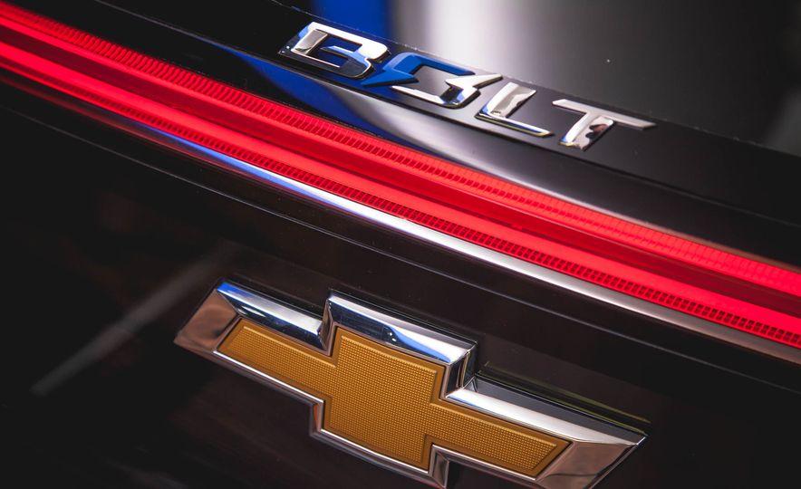 Chevrolet Bolt concept - Slide 12