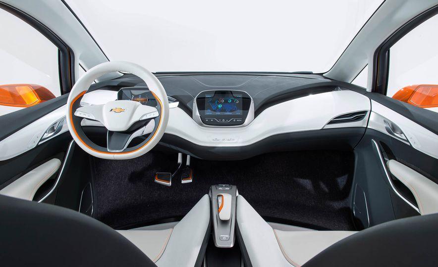 Chevrolet Bolt concept - Slide 19