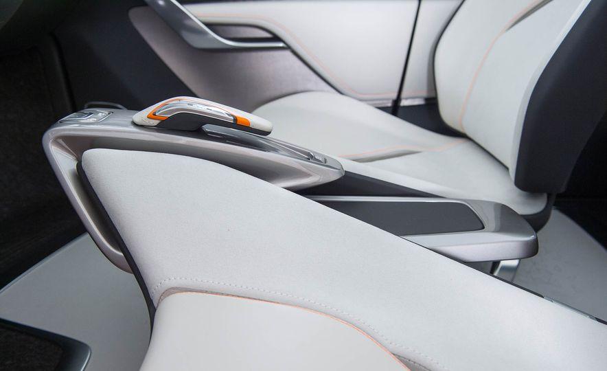 Chevrolet Bolt concept - Slide 21