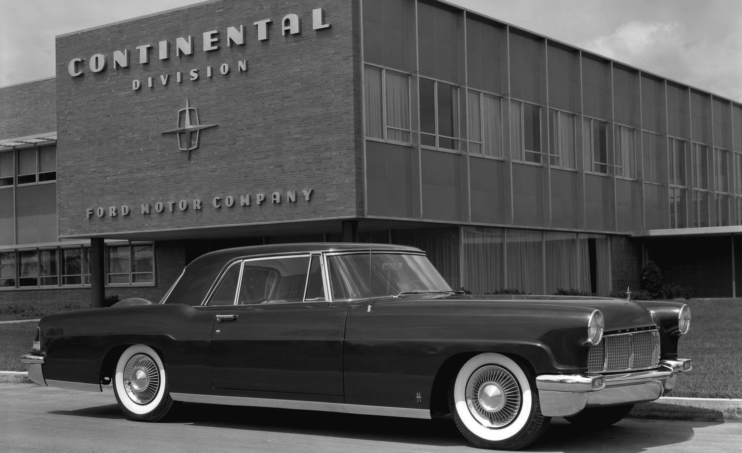 10 Luxury Car Brands That Time Forgot 1954 Lincoln Continental Mark Ii