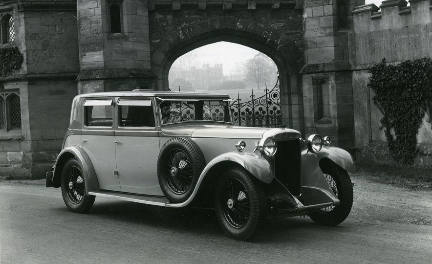 10 Luxury Car Brands That Time Forgot - Slide 15