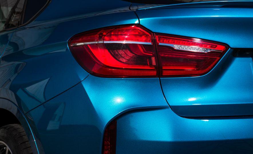2015 BMW X6 M - Slide 16