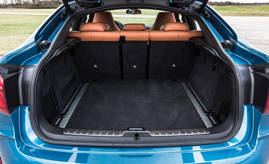 2015 BMW X6 M - Slide 18