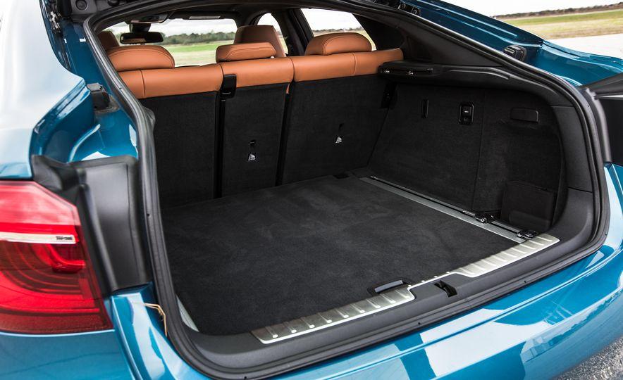 2015 BMW X6 M - Slide 19