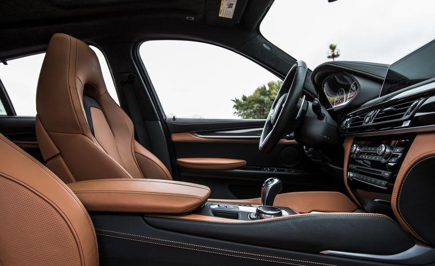 2015 BMW X6 M - Slide 24