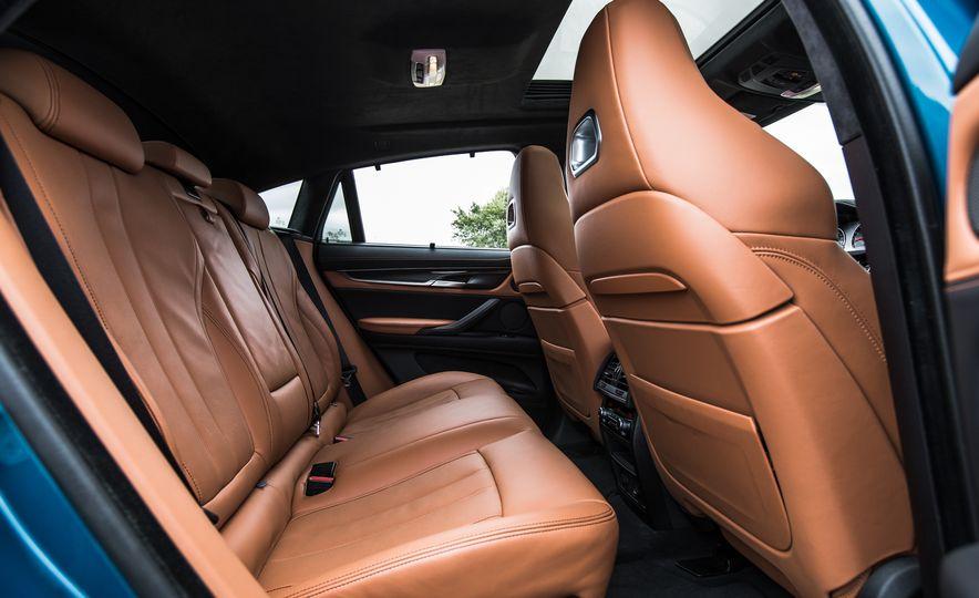 2015 BMW X6 M - Slide 28