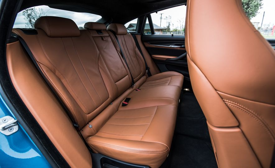2015 BMW X6 M - Slide 29