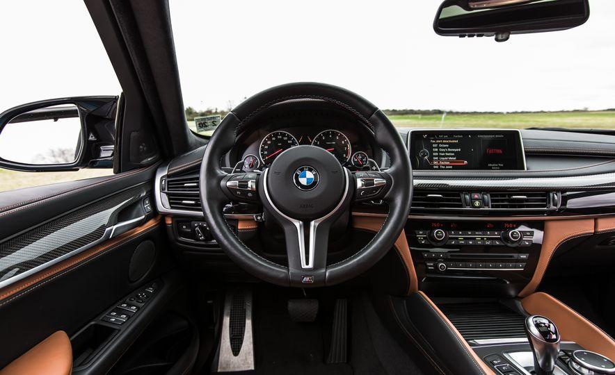 2015 BMW X6 M - Slide 30
