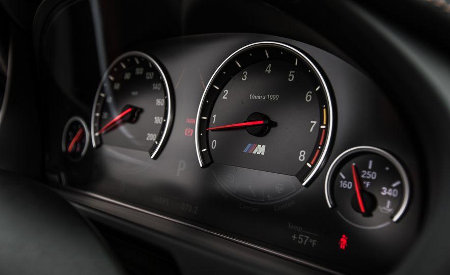 2015 BMW X6 M - Slide 41