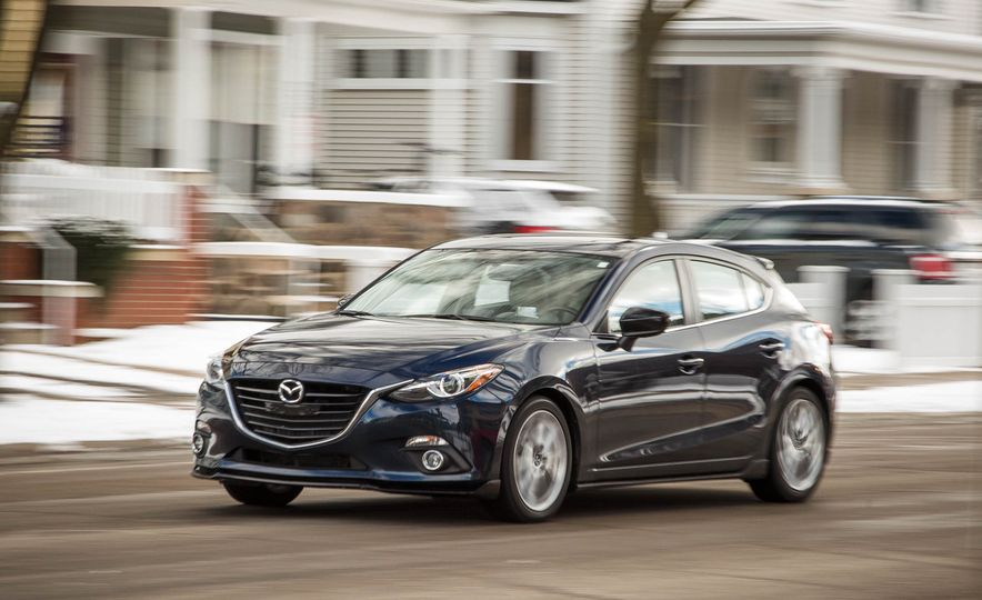 2015 Mazda 3 2.5L hatchback - Slide 9