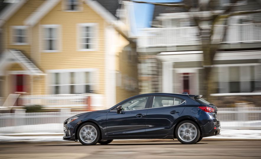 2015 Mazda 3 2.5L hatchback - Slide 13