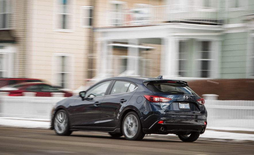 2015 Mazda 3 2.5L hatchback - Slide 16