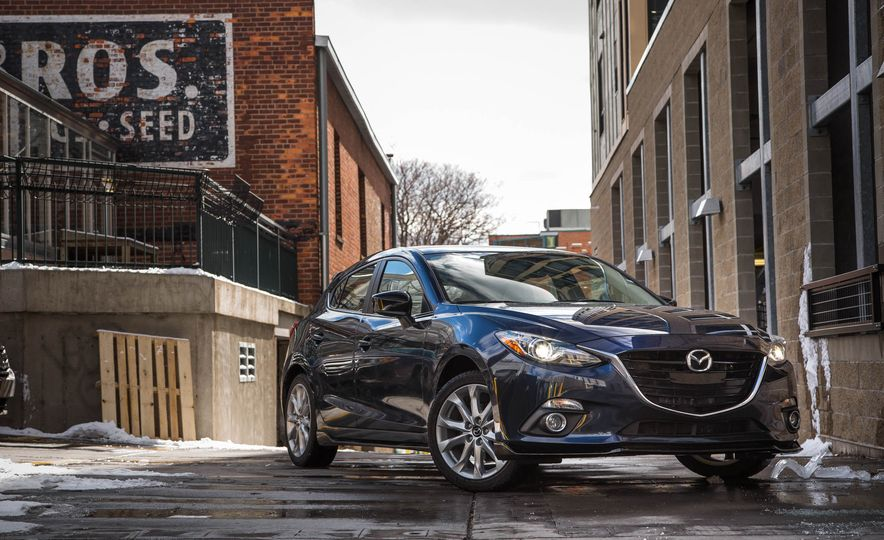 2015 Mazda 3 2.5L hatchback - Slide 18